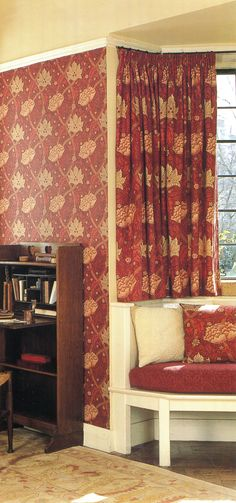 Short curtains can work if approached with precision and where there really is no alternative - and only then! Drapes And Blinds, Short Curtains, Curtain Poles, Showcase Design, New Builds, Soft Furnishings, Window Treatments, Upholstery, Alternative