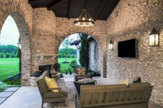 mediterranean-style-home-glynis-wood-interiors-18-1-kindesign