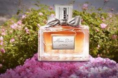 c5d0aeddf Top 20 Perfumes de Mujer con Mayor Durabilidad en la Piel - Perfumative  Chicos Jóvenes,