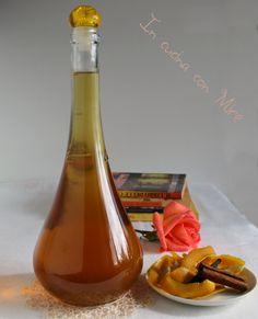 Sciroppo per fichi e caldarroste, per la loro conservazione il profumo di arance e cannella lo rende un liquorino poco alcolico, gradevole con il dessert.