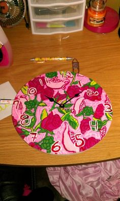a lilly clock!