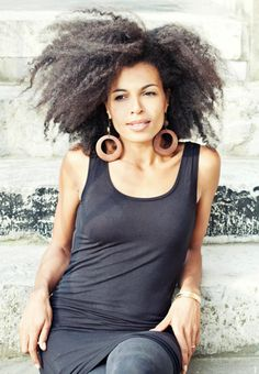 That's curly hair lol Natural Hair Inspiration, Natural Hair Tips, Be Natural, Natural Hair Styles, Long Curly Hair, Curly Girl, Big Hair, Curly Hair Styles, Biracial Hair