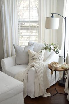 The post White slipcovered chair living room. Cozy living room decor ideas& appeared first on Blue Dream Pins. Living Room Decor Cozy, Living Room Lighting, Living Room Chairs, Cozy Bedroom, Sitting Room Decor, Cozy Master Bedroom Ideas, Modern Bedroom, Master Bedroom Chairs, Contemporary Bedroom
