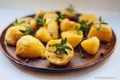 """Patate arrosto con """"panatura"""" di farina di mais ed erbe aromatiche"""