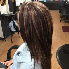 trendy hair highlights and lowlights fall dark brown trendige Haar-Highlights und Lowlights Hair Color And Cut, Haircut And Color, Medium Hair Styles, Short Hair Styles, Hair Color Highlights, Violet Highlights, Dark Brown Hair With Highlights And Lowlights, Manicure E Pedicure, Fall Hair