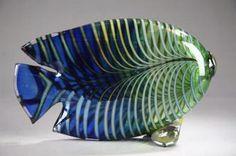 A glass fish by Kerttu Nurminen, Finland. Murano Glass, Fused Glass, Glass Beads, Fish Sculpture, Glass Animals, Glass Paperweights, Glass Design, Mosaic Art, Perfume