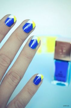Blue, white and fluorescent Nails