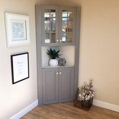 Lovely 45 Ideas to Decorate Your Corner Space with Unique Corner Shelf http://godiygo.com/2017/12/16/45-ideas-decorate-corner-space-unique-corner-shelf/