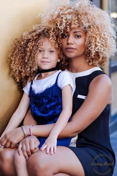 for more curly hair inspiration ➿ ❤️ Pelo Natural, Natural Curls, Afro Blonde, Big Hair, Your Hair, Style Afro, Curly Hair Styles, Natural Hair Styles, Natural Hair Inspiration