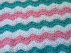 Chevron Receiving Blanket  Gender Neutral by afewlittlebumps #afghan #hospital #crochet