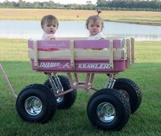 Baja Wagon Pink Radio Flyer wagon with Swing-Arm suspension kit Kids Wagon, Toy Wagon, Best Kids Toys, Toys For Boys, Monster Truck Kids, Radio Flyer Wagons, Little Red Wagon, Drift Trike, Kids Ride On