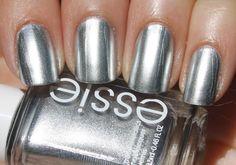 Essie- No Place Like Chrome