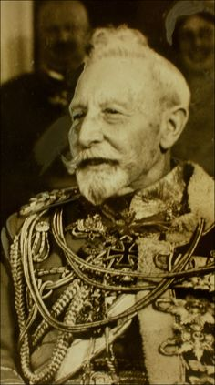 Wilhelm II, Emperor of Germany- The old devil looked benign in his latter years. Wilhelm Ii, Kaiser Wilhelm, Keanu Reeves Young, German Royal Family, Otto Von Bismarck, Adele, King Of Prussia, War Image, Military Pictures