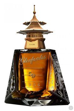 Alcohol Bottles, Liquor Bottles, Drink Bottles, Perfume Bottles, Whiskey Drinks, Cigars And Whiskey, Scotch Whiskey, Whisky Bar, Bourbon