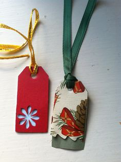 Make it yourself: Upcycle Old Christmas Cards into gift tags - The Good Weekly