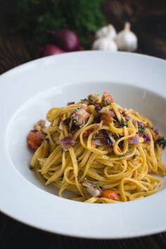 foodiesfeed.com_fresh-pasta-dill-vegetables_low