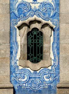 Beautifu Portuguese tilles or 'azulejos' ( Igreja de Carvalhido. Old Windows, Windows And Doors, Tile Art, Mosaic Tiles, Portuguese Tiles, Unique Doors, Iron Work, Through The Window, Old Doors