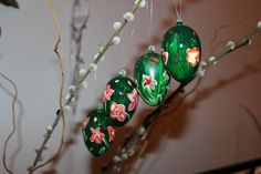 Osterreier Christmas Bulbs, Holiday Decor, Diy, Home Decor, Homemade Home Decor, Christmas Light Bulbs, Bricolage, Do It Yourself, Decoration Home