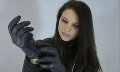 Leather Gloves, Lady, Womens Fashion, How To Wear, Image, Beauty, Drawing, Hot, Women's Fashion