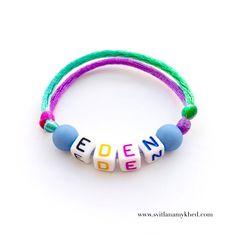 """Bracelet prenom nom message logo initiale surnom """"EDEN"""" (réversible, personnalisable) homme, femme, enfant, bébé   Fermeture coulissante. Convient à tous les poignets! lettres acryliques 6x6mm sur fil de satin (2 mm.) couleur au choix.  Ce bracelet ne craint pas l'eau.  Vous pouvez toujours le garder sur le poignet (douche, piscine, vaisselles....)  Bracelet est personnalisable!!!"""