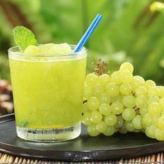 Frozen grape smoothie!!!  by @pureandliquid #breakfast #cleaneating #veganrecipe #dessert #delicious #eatrealfood #fitnessmodel #grapes #fruit #glutenfree #healthy #love #nicecream #nutrition #organic #paleo #protein #thatsdarling #darling #smoothiebowl #veganathlete #foodie #plantbased #rawvegan #smoothie #vegan #superfoodlx #veganfoodshare