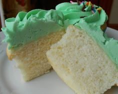 Fluffy Cream Cake Moist and tasty Great base for a rum or poke