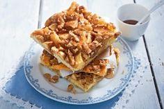 Apfel-Walnusskuchen mit Zimtsirup auf lecker.de (enthält 5 Eier -> Grundrezept für veganen Kirschkuchenteig nehmen)