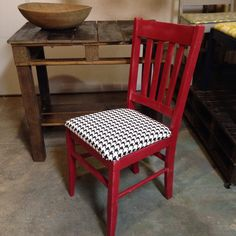 This pallet sofa table in Jacobean stain with the red accent chair look amazing together!!
