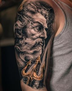 What does poseidon tattoo mean? We have poseidon tattoo ideas, designs, symbolism and we explain the meaning behind the tattoo. Zeus Tattoo, Statue Tattoo, Posseidon Tattoo, Trident Tattoo, Tattoo Blog, Tiny Tattoo, Tattoo Flash, Best Sleeve Tattoos, Tattoo Sleeve Designs