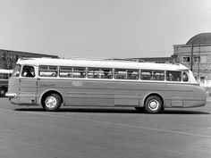 Ikarus bus - Hungary Bus Coach, Classic Motors, Commercial Vehicle, Driving Test, Hungary, Cars And Motorcycles, Old Photos, Busse, Coaches