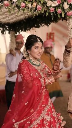 Indian Wedding Video, Indian Wedding Photos, Indian Wedding Outfits, Best Wedding Dance, Wedding Songs, Uniqlo Women Outfit, Father Of The Bride Outfit, Indian Bride Dresses, Wedding Highlights Video