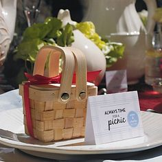 Mini Woven Picnic Baskets by Beau-coup - Picnic before the wedding, or use to put in the list of activities for the days before the wedding