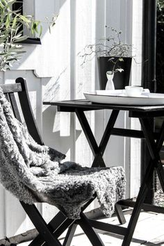 5 Imaginative Clever Ideas: Coffee Menu Cappuccinos too much coffee funny.Coffee Shop Forniture death wish coffee quotes. Outdoor Spaces, Outdoor Living, Outdoor Decor, Exterior Design, Interior And Exterior, White Cottage, Coffee And Books, Coffee Shop, House Coffee