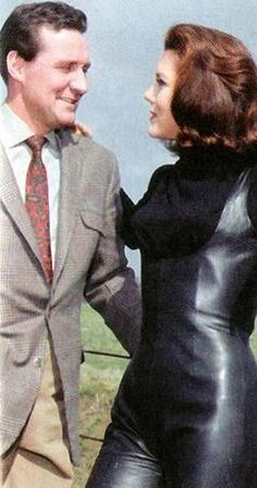 The Avengers, Avengers Images, 1960s Tv Shows, Uk Tv Shows, Emma Peel, Harriet Andersson, Diana Riggs, Dame Diana Rigg, Mejores Series Tv