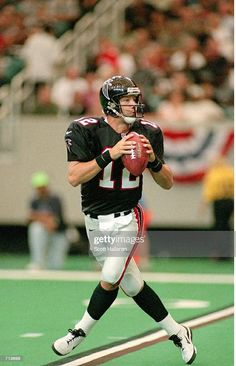 Falcons Football, School Football, Sports Team Logos, Atlanta Falcons, American Football, Old School, Nfl, Running, Football