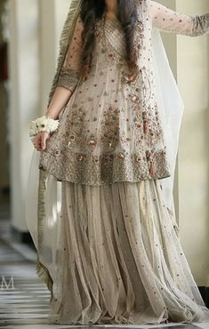 Pakistani Engagement Dresses, Pakistani Fancy Dresses, Pakistani Fashion Party Wear, Pakistani Wedding Outfits, Pakistani Wedding Dresses, Pakistani Dress Design, Bridal Outfits, Pakistani Clothing, Indian Dresses