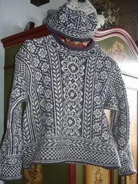 photo tricot modele tricot pull norvegien 13 Plus We are want to say thanks if you like to share this post to another. Knitting Designs, Knitting Projects, Tejido Fair Isle, Fair Isle Pullover, Pull Jacquard, Fair Isle Pattern, Fair Isle Knitting, Knitting Charts, Knitwear
