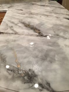 3 Courageous Clever Tips: Affordable Counter Tops Faux Granite formica counter tops countertop makeover. Faux Marble Countertop, Outdoor Kitchen Countertops, New Countertops, Kitchen Countertop Materials, Butcher Block Countertops, Kitchen Counters, Kitchen Cabinets, Stone Coat Countertop, Painting Tile Countertops