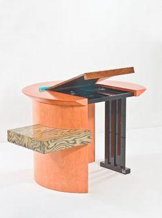 old furniture ideas Dream Furniture, Art Deco Furniture, Funky Furniture, Design Furniture, Memphis Design, Memphis Furniture, Memphis Milano, Geometric Graphic, Table Design