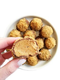 Cookie Dusted Peanut Butter Chocolate Truffles + Food Summit Info! - rachLmansfield