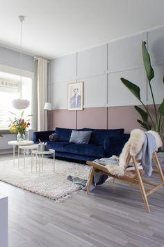 Blue Velvet Sofa, Bohemian Living, Interior Inspiration, Living Room Decor, Love Seat, New Homes, Couch, Interior Design, Furniture