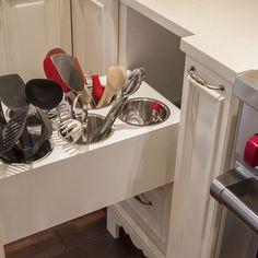 Wow, love this drawer idea for kitchen organization.