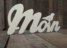 Buchstaben & Schriftzüge - Moin - Schriftzug mit sitzender Möwe aus Holz - ein Designerstück von Julies_Welt bei DaWanda