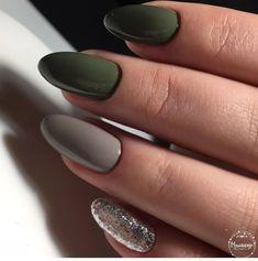 Semi-permanent varnish, false nails, patches: which manicure to choose? - My Nails Cute Nails, Pretty Nails, Olive Nails, Nailart, Gel Nail Art Designs, Nails Design, Best Acrylic Nails, Manicure E Pedicure, Green Nails