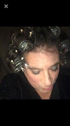 Vintage Hair Salons, Sleep In Hair Rollers, Roller Set, Curlers, Vintage Hairstyles, Hair Beauty, Places, Vintage Haircuts, Lugares