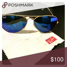 63e727e06 Aviator ray bans Pilot gold , blue lens. In really good condition like new.