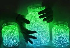 Easy Crafts for Kids to Make in Summertime - DIY Mason Jar Fairy Lights - DIY Projects & Crafts by DIY JOY at http://diyjoy.com/fun-outdoor-crafts-for-kids