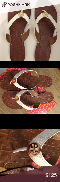 Nwt Tory Burch Thora Nwt Tory Burch Thora Tumbled Leather in Bleach Size 8 Tory Burch Shoes Sandals