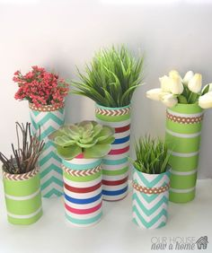 20 simple crafts, low cost DIY projects for the home. Easy ways to decorate a house. Paper crafts, wood projects, DIY wall art, DIY home decor. Spring Projects, Spring Crafts, Diy Projects, Wrapping Paper Crafts, Toilet Paper Roll Crafts, Picture Frame Wreath, Art Nouveau, Vase Transparent, Tissue Paper Roll