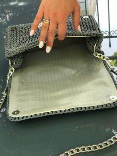 How To Make Plastic Canvas Coasters! - Y - Diy Crafts - Marecipe Crochet Clutch Pattern, Diy Crochet Bag, Crochet Wallet, Crotchet Bags, Crochet Bag Tutorials, Crochet Coaster Pattern, Knitted Bags, Diy Bags Purses, Diy Purse